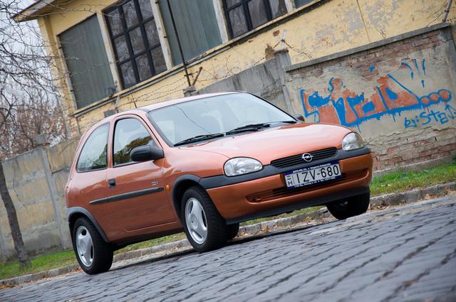 Egy 1997 utáni Corsa-arc