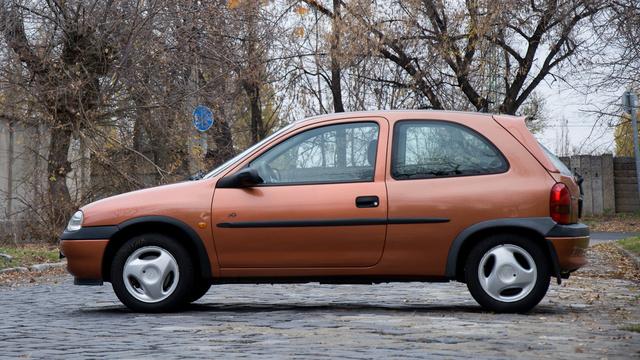 Csodálatos ez a rozsdabarna-metál, egyik kedvenc Opel-színem