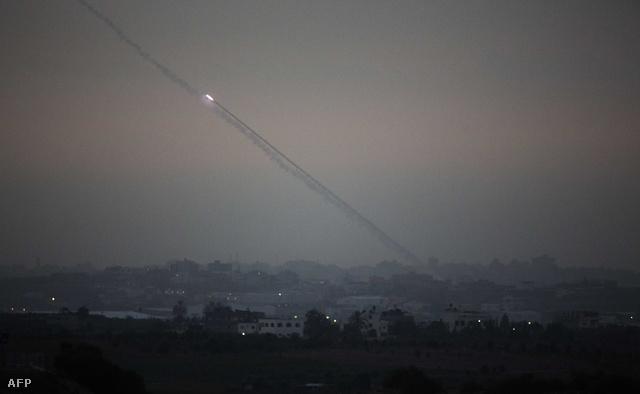 Az izraeli Vaskupola működés közben: a rendszer a rövid hatótávolságú rakétákat semmisíti meg, mielőtt becsapódhatnának az izraeli területen