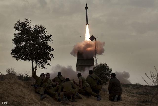 Rakétaelhárító rakéta indítása egy Vaskupola kilövőállásból