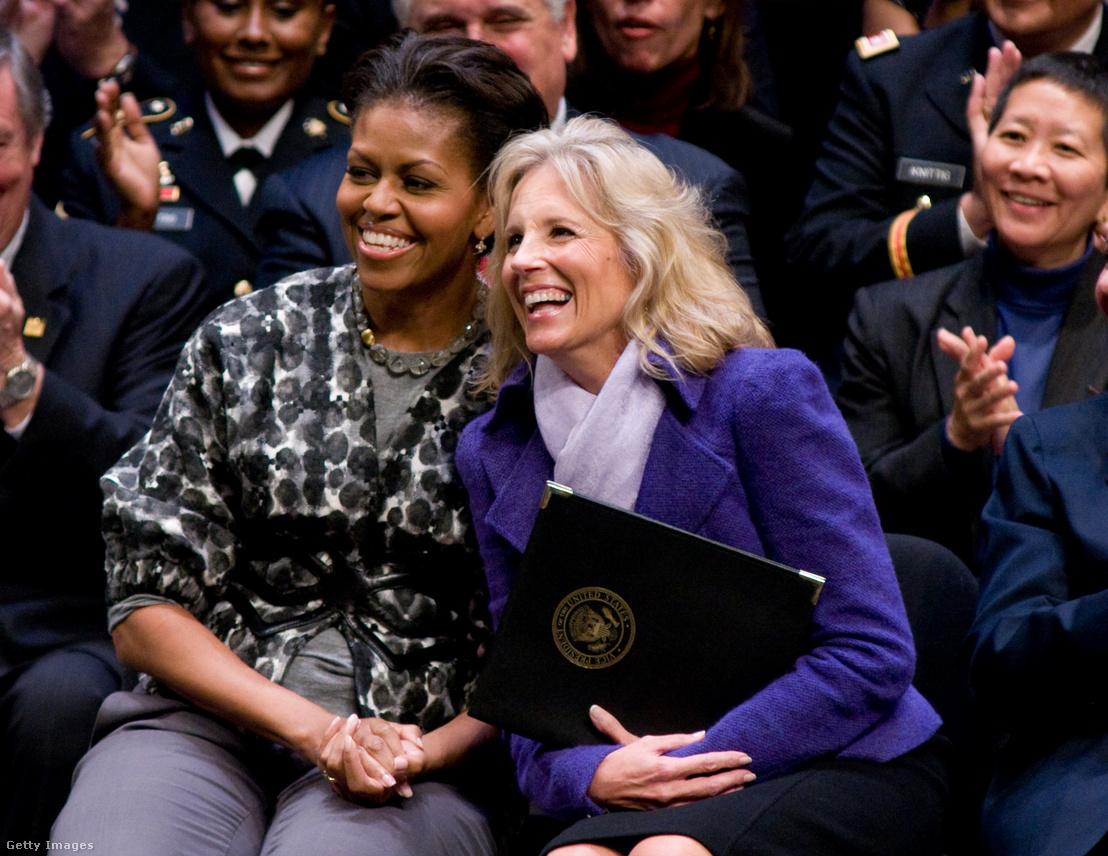 Michelle Obama és Jill Biden 2009-ben