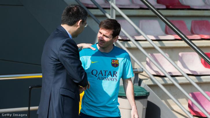 Lionel Messi és Josep Maria Bartomeu 2014-ben