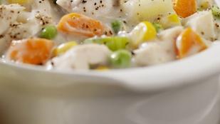 Csirkével és articsókával készül egyik kedvenc őszi levesünk