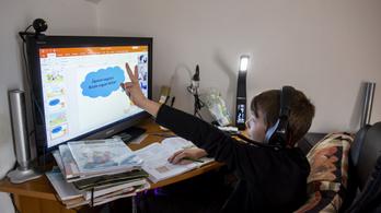A digitális tananyagok a szép új világ tankönyvei
