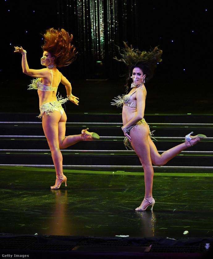Örülhetnek ezek a táncosnők, hogy újra dolgozhatnak