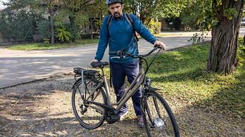 A hasam nagy, lusta is vagyok, rásegítős bringa segíthet?