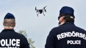Szigorodó drónszabályok: kötelező lesz az állami mobilappot használni, lakóövezetben csak engedéllyel lehet repülni