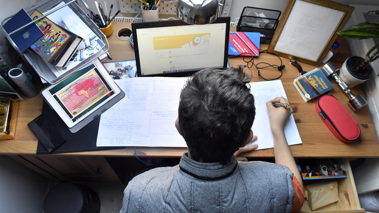 Nem lelkesednek a középiskolák az újabb digitális átállásért