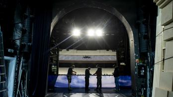 Egerben Blaskó Balázs marad a színházigazgató, pedig a polgármesternek más terve volt