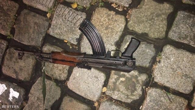 Dátum nélküli fotó a november 2-i bécsi lövöldözésnél használt gépfegyverről