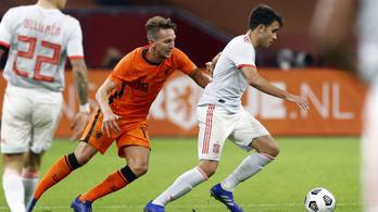 Döntetlen a holland–spanyol, a portugálok hét góllal nyertek