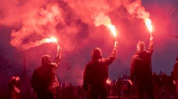Varsói zavargások: 35 rendőr megsérült, 36 tüntetőt vettek őrizetbe