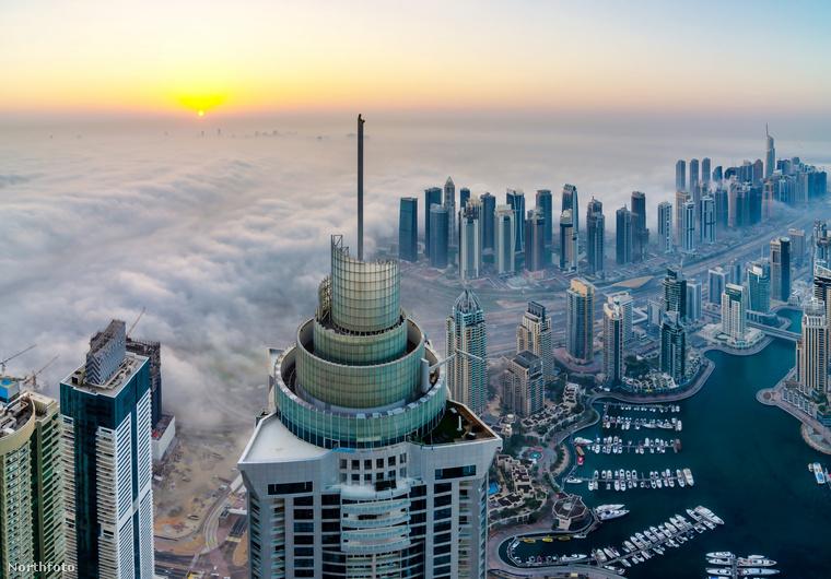 Dubai belvárosában annyi felhőkarcoló van, hogy alig lehet megkülönböztetni őket, és a dinamikuson fejlődő városban csak egyre több lesz belőlük
