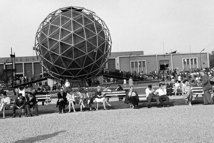 1963-ban pavilonként a Városligetben.