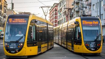 Egyre-másra jönnek az új villamosok Budapesten