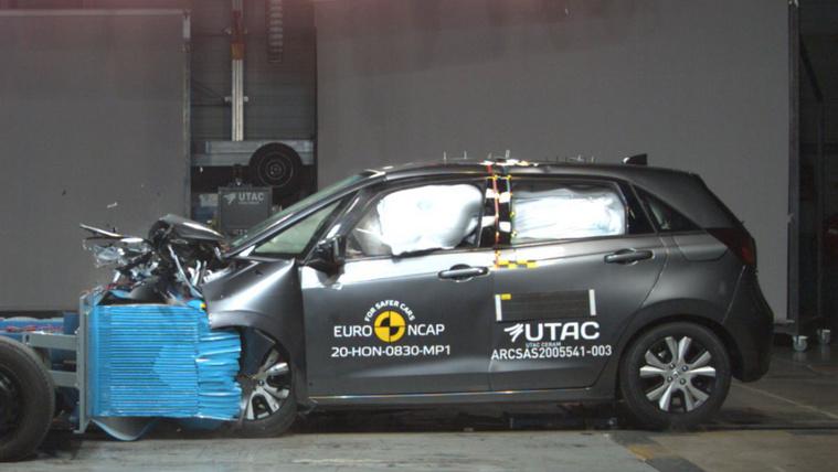 Ötcsillagos az EuroNCAP-nál a Jazz és az MX-30