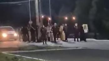 Koronavírust elűző szertartást tartott a román botrányérsek