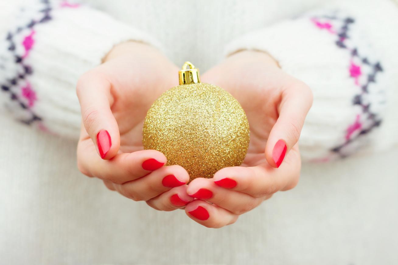karácsony-köröm-borító