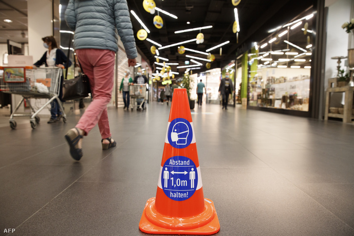 Bevásárlóközpont Ausztriában 2020 májusban