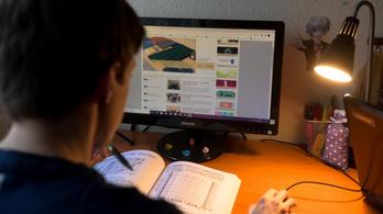 A távoktató tanároknak is ingyenes lesz az internet