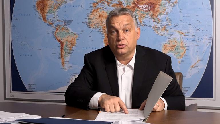 Orbán Viktor: 30 napra ingyen kapják az internetet az online oktatásban részt vevő középiskolások