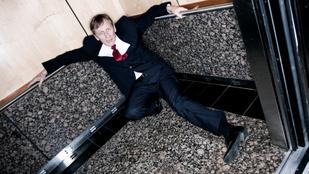 Mi történne, ha lezuhanna velem a lift?