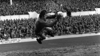 Elhunyt a Liverpool legendás kapusa