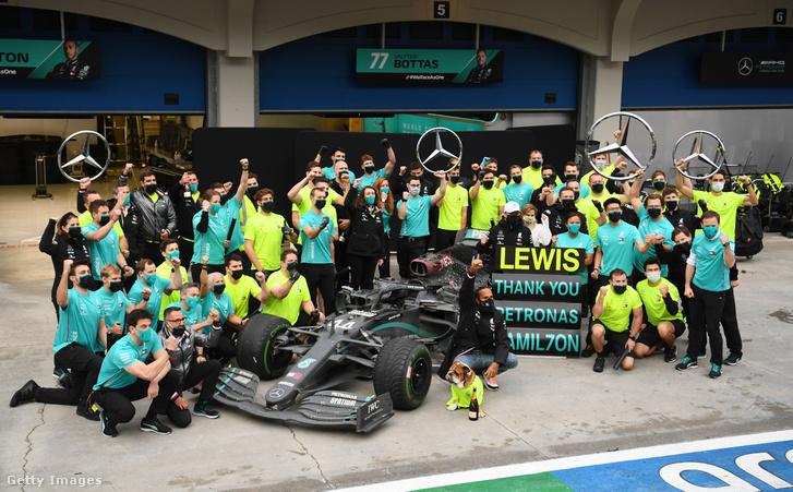 Lewis Hamilton immár hétszeres világbajnok