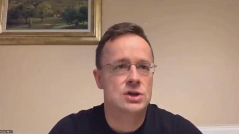 Szijjártó Péter: Megálljt kell parancsolni a keresztényekkel szembeni agressziónak