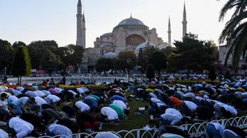 Jogi csatározás indul a mecsetté alakítás miatt Isztambulban