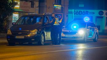Kijárási tilalom: A rendőrök nem űznek sportot a bírságolásból