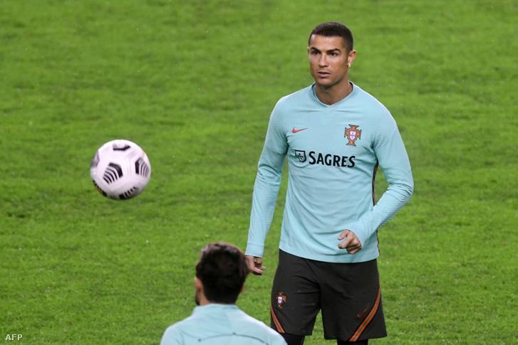 Cristiano Ronaldo edzés közben a Poljud stadionban Splitben 2020. november 16-án