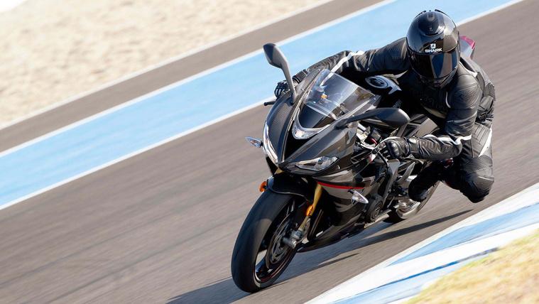 Triumph-Daytona-Moto2-765-21-1
