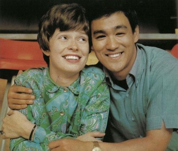 Linda és Bruce Lee le sem tagadhatták volna, mennyire imádták egymást.