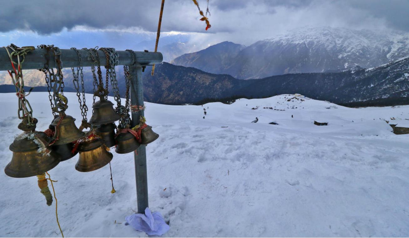 shiva templom a hó alatt