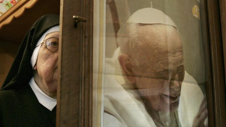 Szent II. János Pál? Van, akiknek már nem