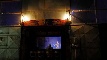 Kirakatba költözött egy prágai cirkusz