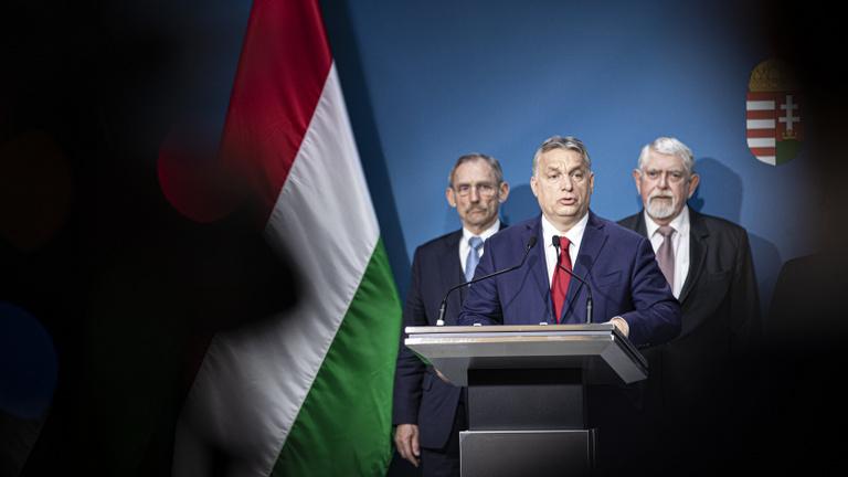 Orbán Viktor: Brüsszelben csak az lehet jogállam, ahol beengedik a migránsokat