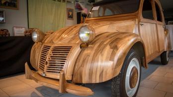 Fából készült ez a működőképes Citroen Kacsa