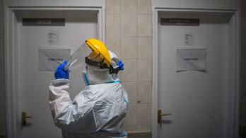 Súlyos koronavírusos betegekkel foglalkoznak, mégis csak fél fizetést kaptak