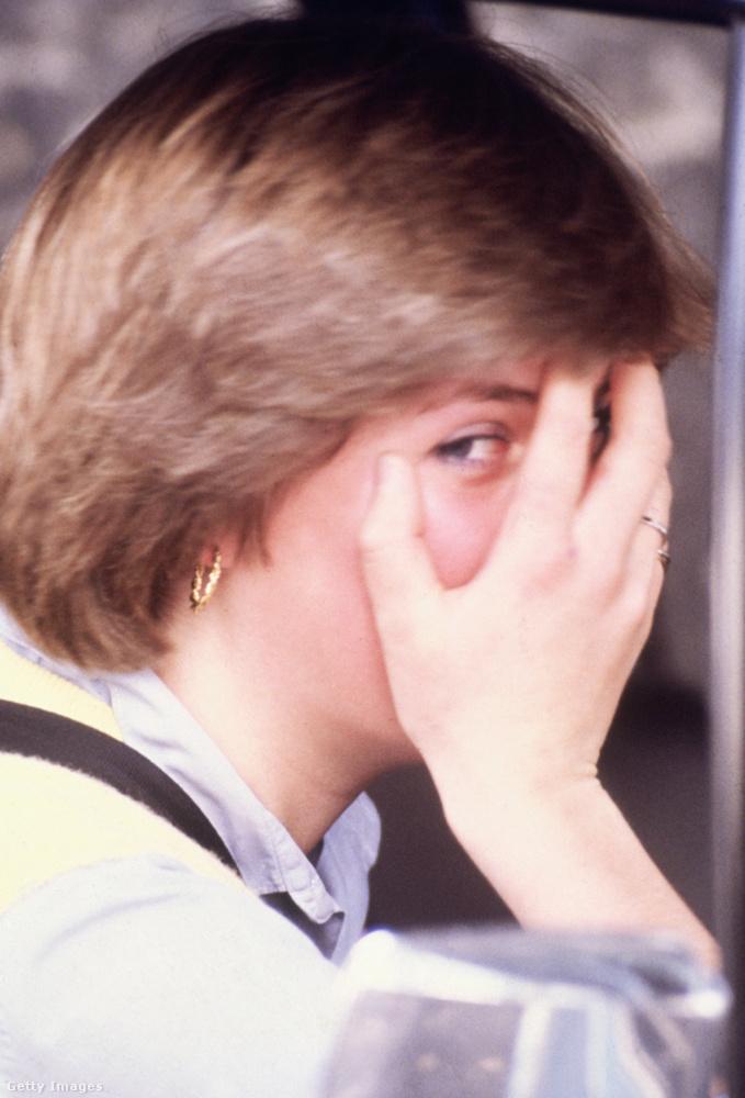 1980 szeptemberében például a  Young England óvodában tanított, ahonnan hazafelé tartva szintén kifigyelték a paparazzók.