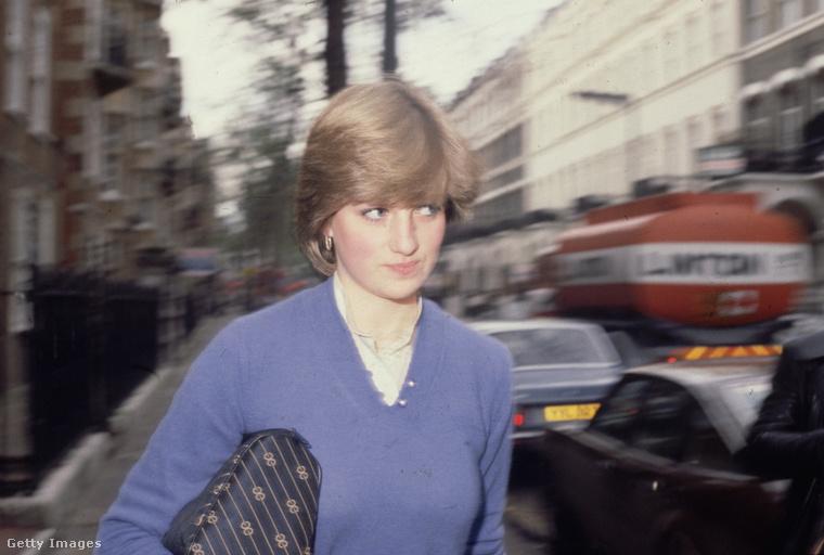 És Diana az is volt, mármint hihetetlenül naiv: elképzelése sem volt róla, milyen feladatok várnak majd rá hercegnőként, ahogy az udvari protokollról sem tudott sokat