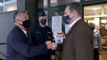 Orbán Viktor razziázott a rendőrségen