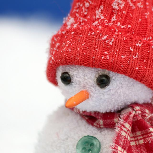 Így készíts pillanatok alatt cuki hóembert egy régi zokniból: még varrni sem kell hozzá