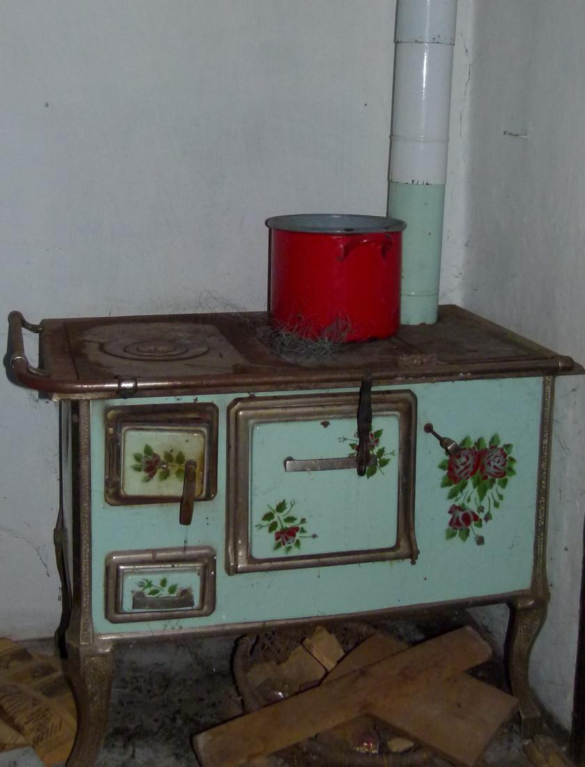 Mi volt a neve ennek a régi bútordarabnak?