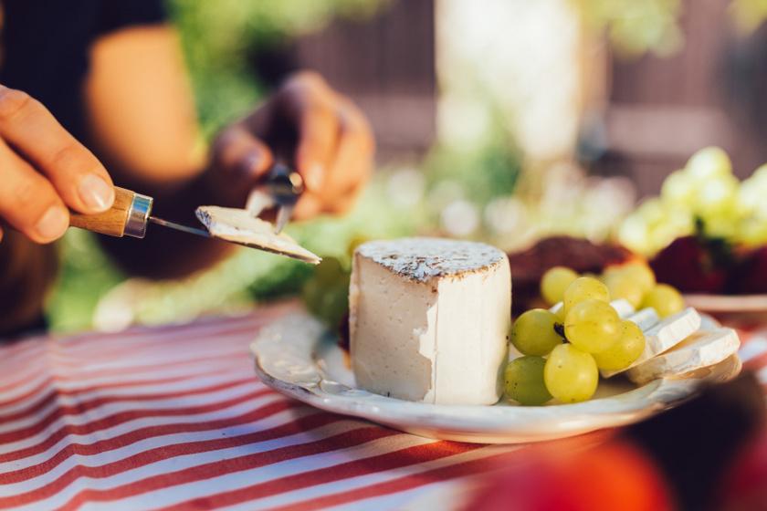 szőlő és sajt belső