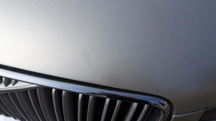 A motorháztetőn is kopik a lakk, nem csak a lökhárítón