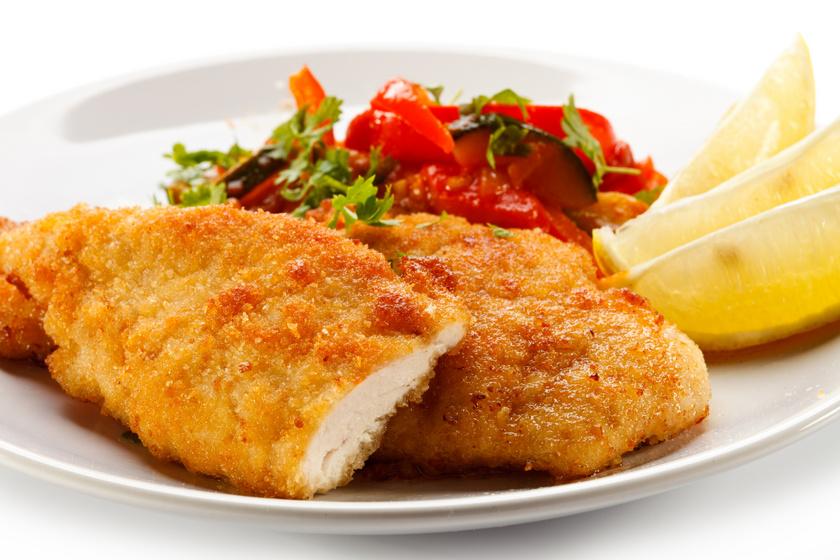 Isteni rántott hús tojás nélkül: ízletes, ropogós panír, omlós hús