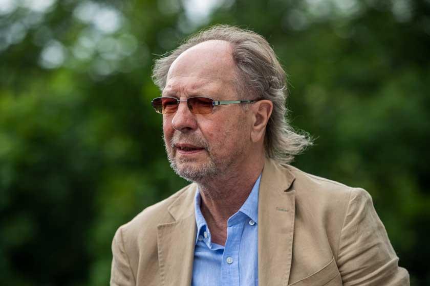 Elhunyt Balázs Fecó - A 69 éves énekes a koronavírus miatt került kórházba két hete