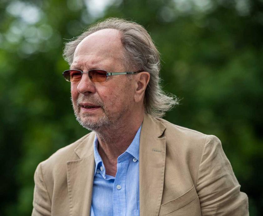 2020 júniusában Balázs Fecó átvehette az Emberi Méltóságért kitüntetést.